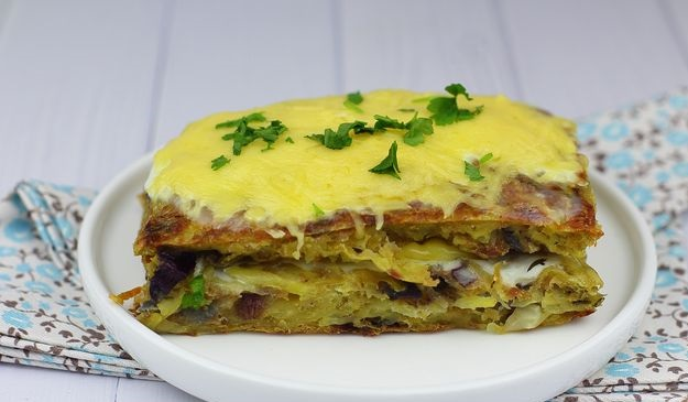 Potato casserole with minced meat and cheese