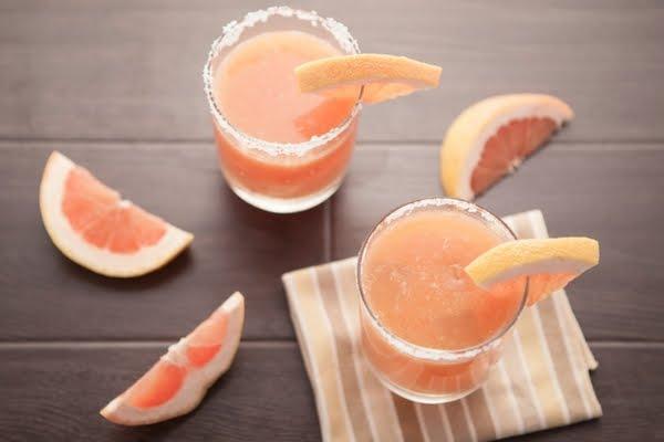 Non-alcoholic margarita with grapefruit