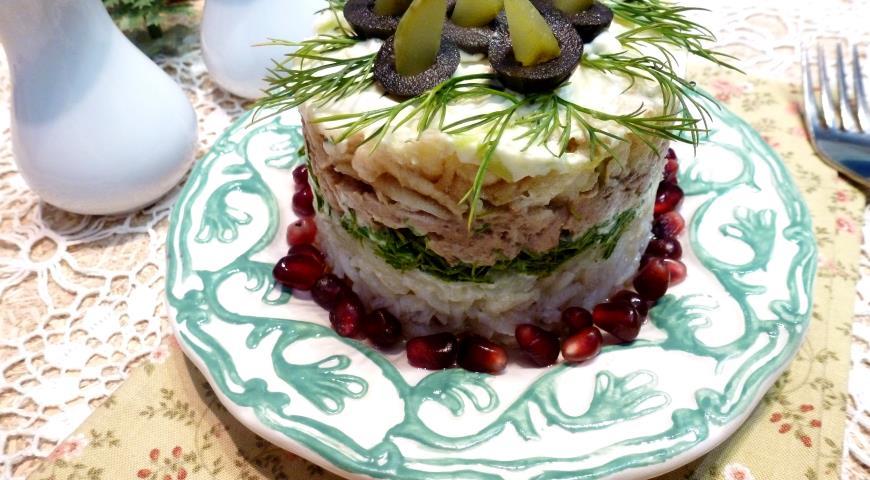 Rice, tuna and apple salad