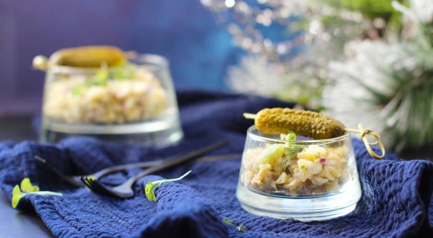 Potato salad with white fish