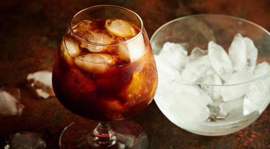 Prune face cocktail