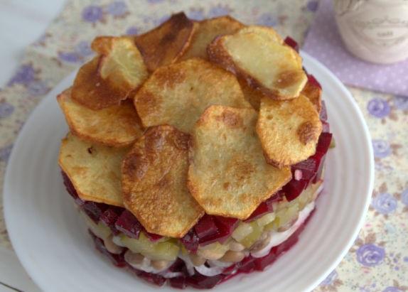 Festive vinaigrette with potato chips