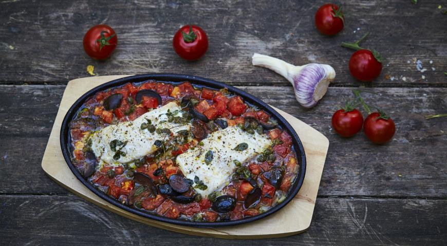 Provencal fish with tomatoes and olives