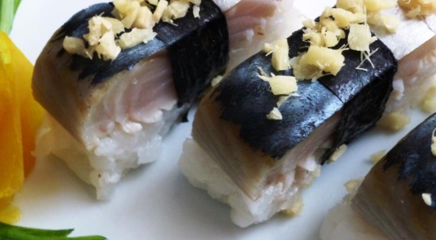 Sushi saba-zushi