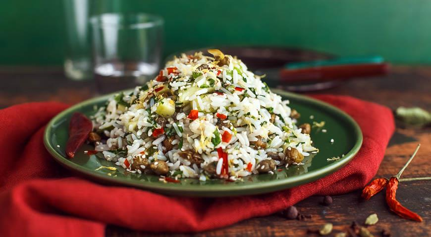 Rice salad with herbs and capers 2