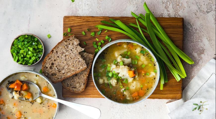 Cauliflower soup with wild rice