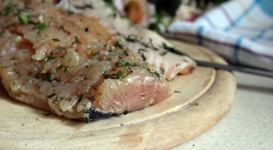 Lightly salted Baltic salmon