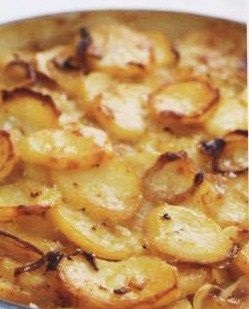 Potatoes baked with onions and garlic