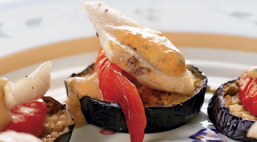 Fish on eggplant plates