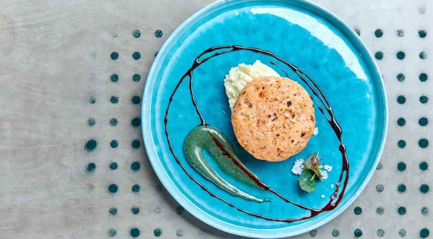 Fishcake with wasabi puree