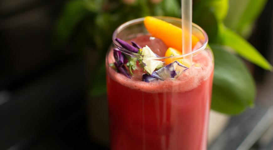 Mango Lemonade with Raspberries and Rosemary