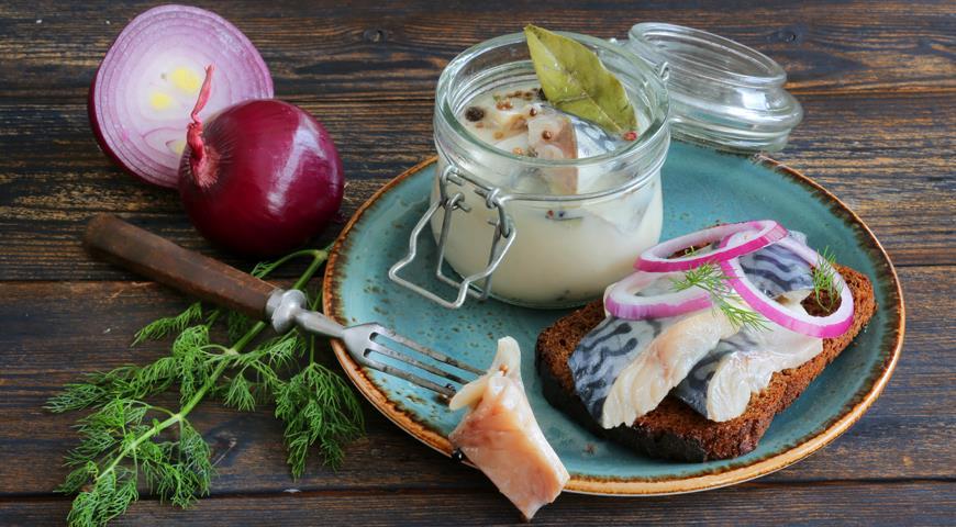 Kindzmari mackerel according to the Georgian recipe