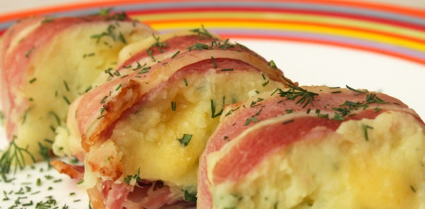 Potato roll with cheese and bacon
