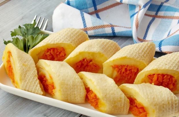 Waffle cakes rolls with mashed potatoes and Korean carrots