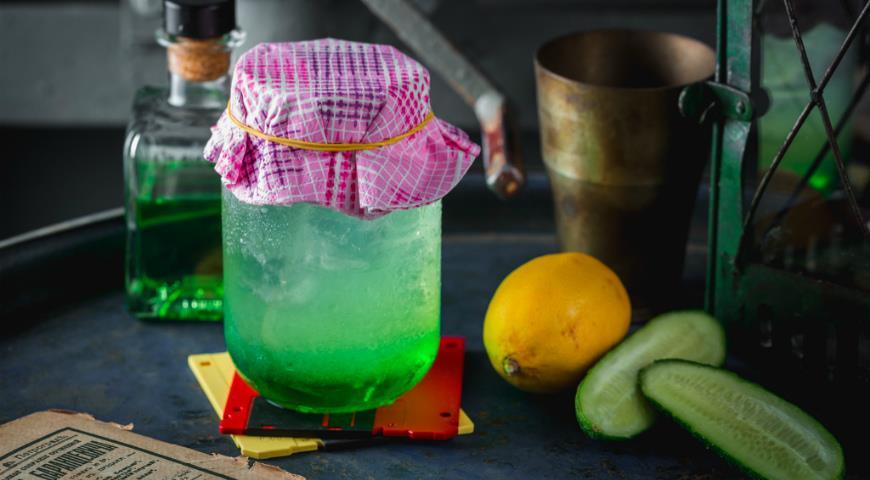 Melon and cucumber lemonade