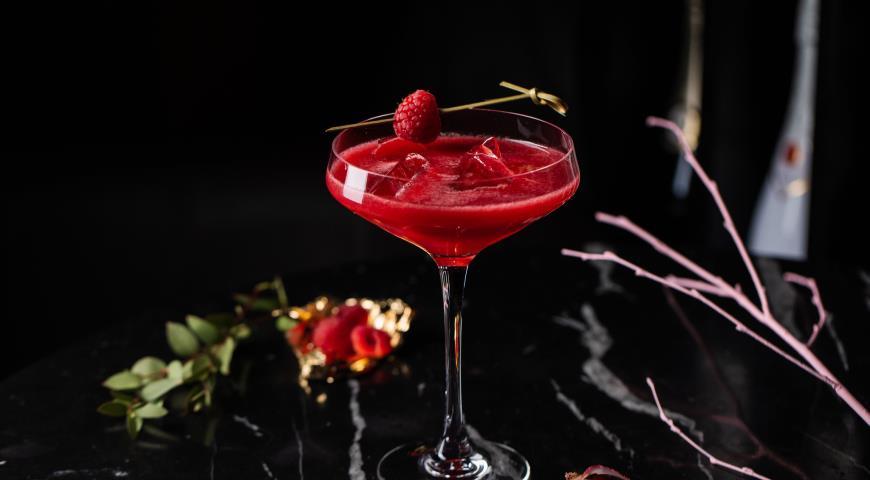 Lychee with raspberry tini