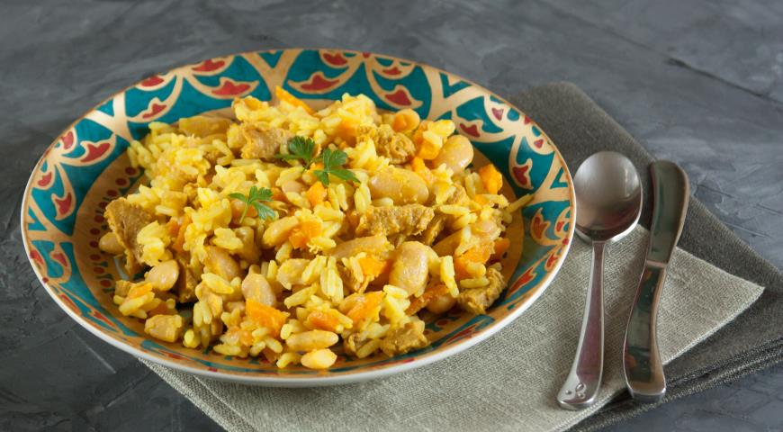 Pilaf with beans