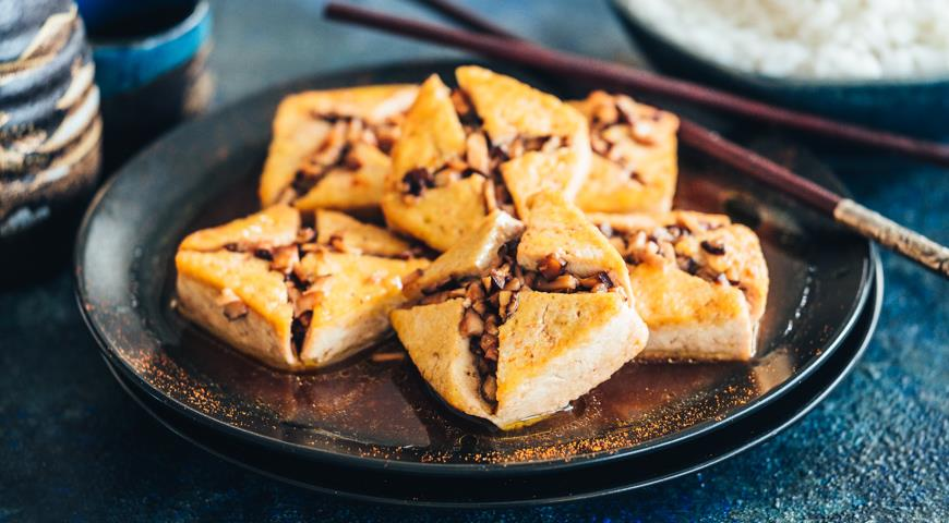 Tofu stuffed with shiitake
