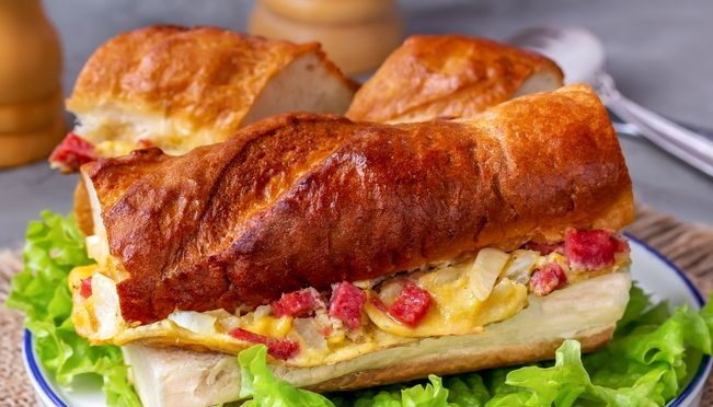 Hot sandwiches with omelet and sausage
