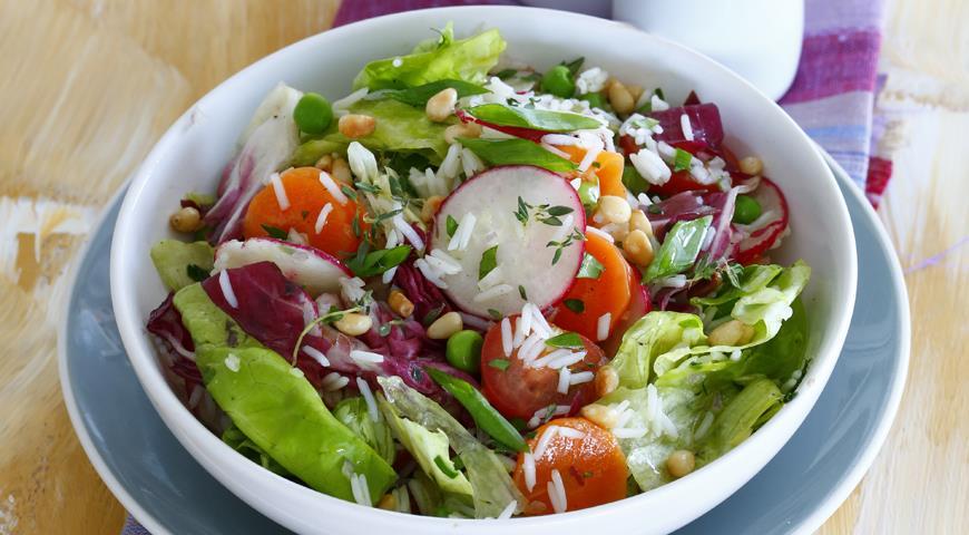 Basmati rice salad with summer vegetables