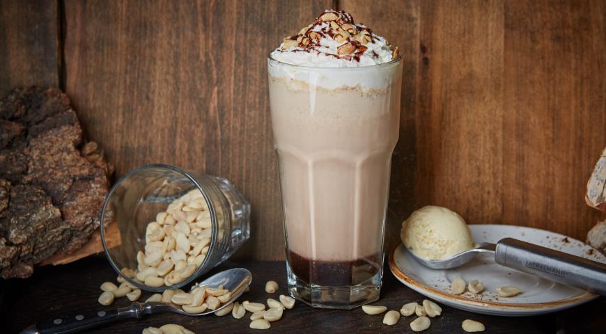 Peanut milkshake