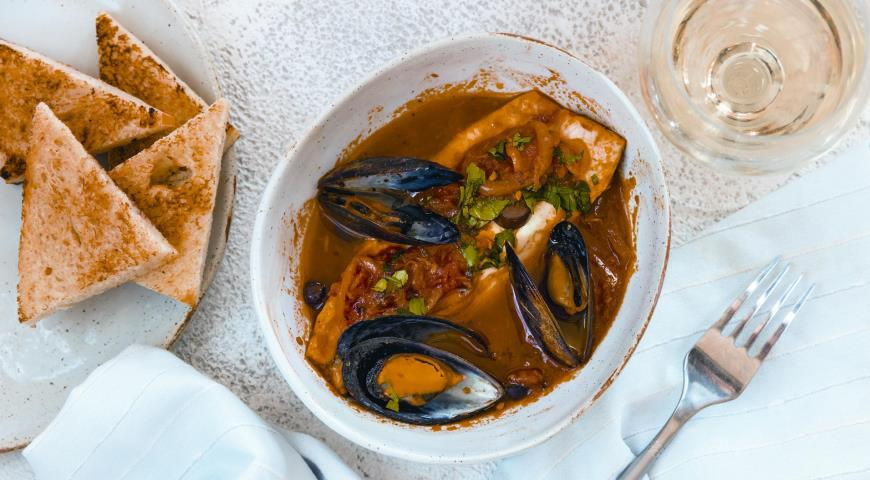 Perch with Provencal mussels