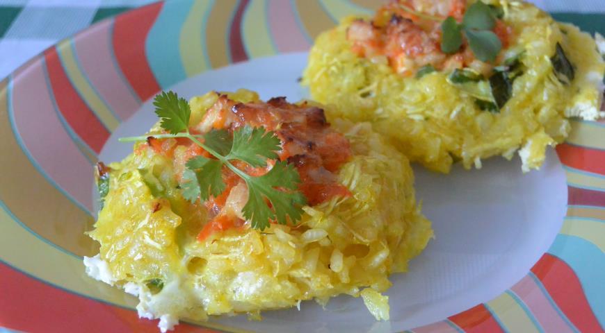Zucchini nests with rice