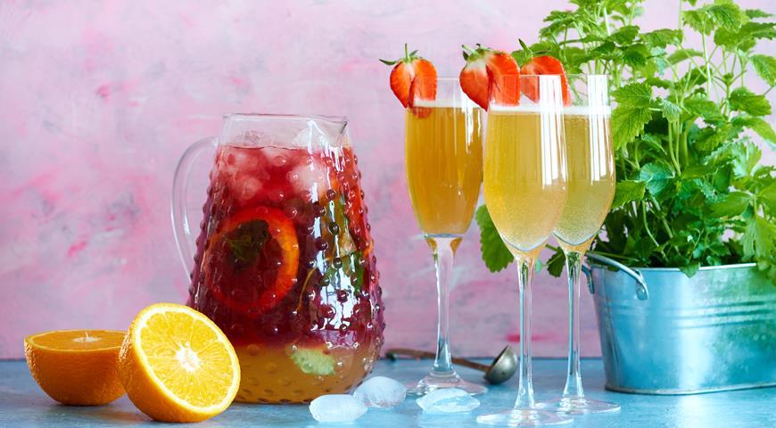 Cranberry cooler drink