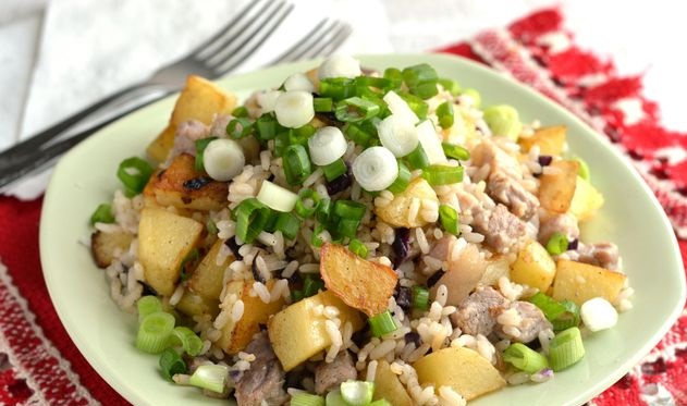 Fried rice with bacon and potatoes