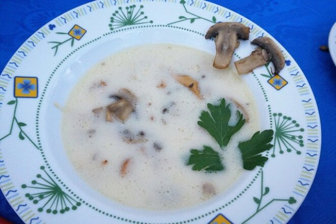Creamy Chorba soup with chanterelles and mushrooms