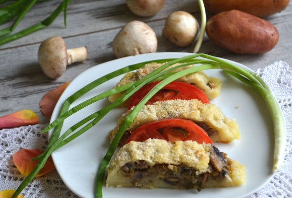 Festive potato roll with mushrooms