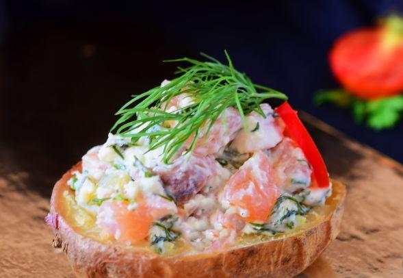 Potato and salmon appetizer