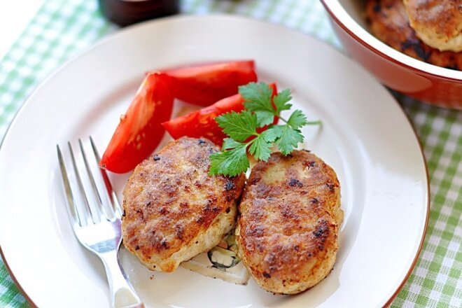 Bread Cutlets With Honey Sauce