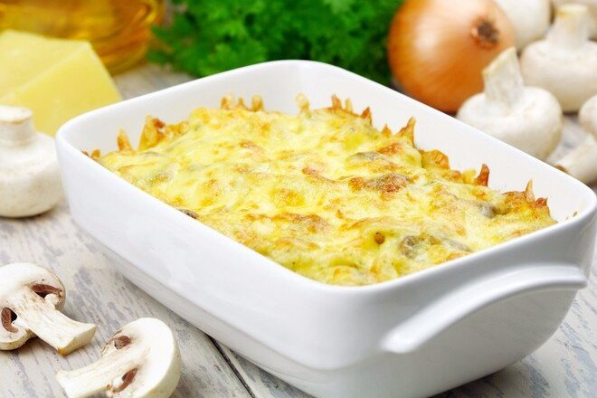 Lean Potato Casserole with Tomatoes and Mushrooms