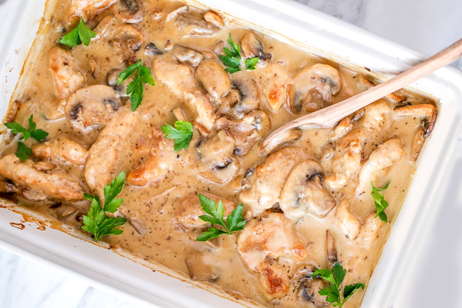 Chicken breast with mushrooms in a creamy sauce