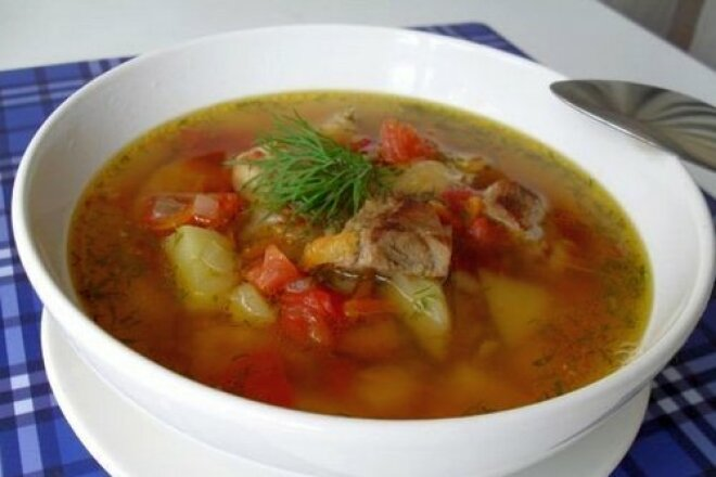 Flavored soup with fried pork