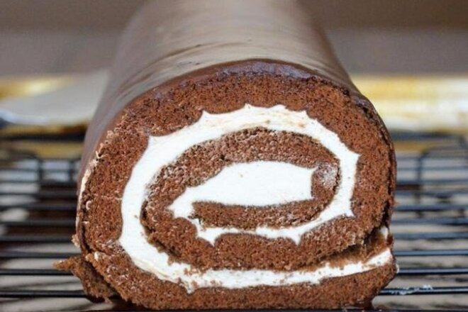Chocolate Rolls with Cream Cheese