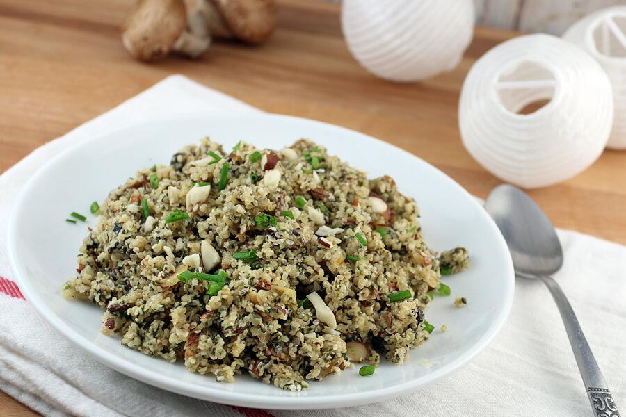 Mushroom keto pilaf from hemp seeds