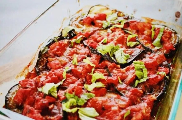 Keto casserole with eggplant and tomatoes