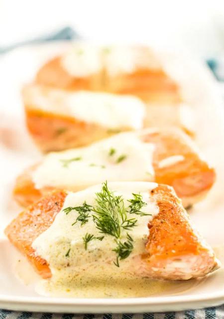 Keto salmon in sour cream