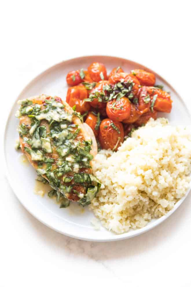 Keto chicken with tomatoes and basil