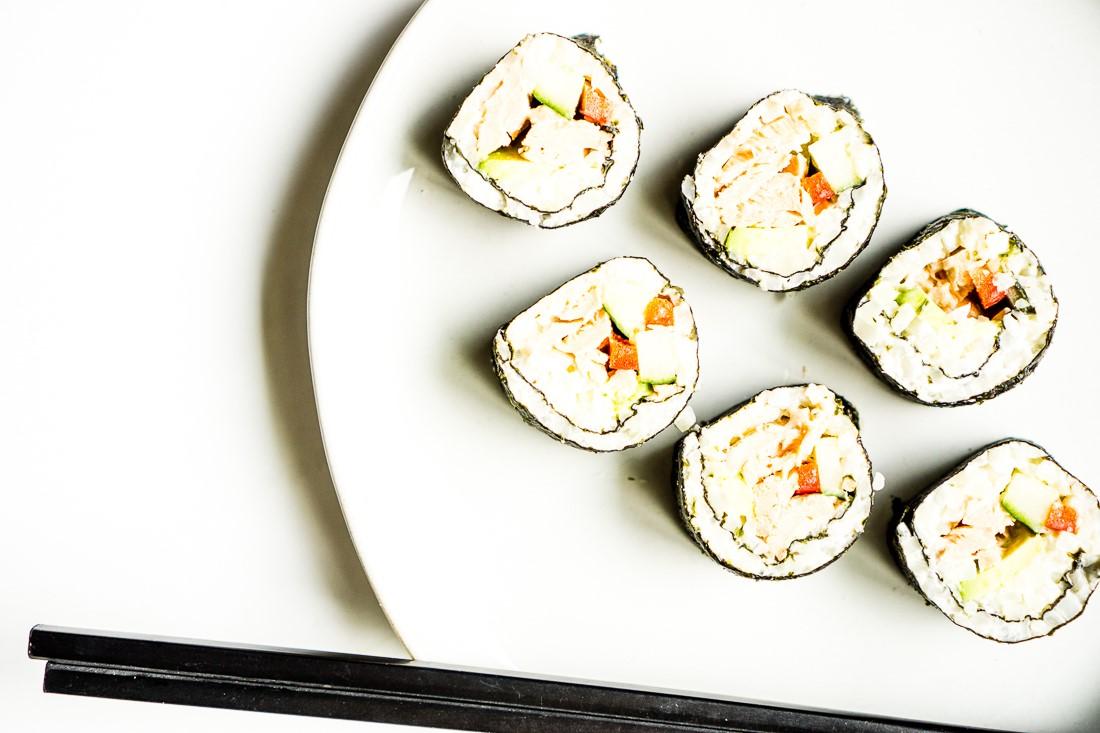 California keto rolls with salmon