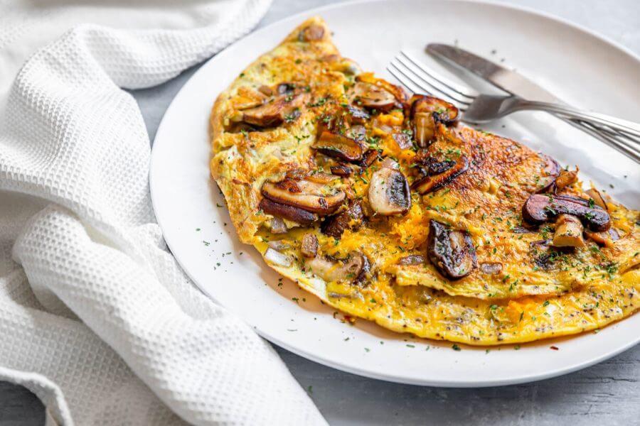 Best Keto omelet with mushrooms