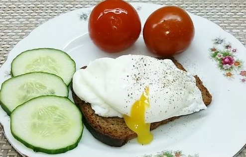 Poached egg (breakfast in 3 minutes)