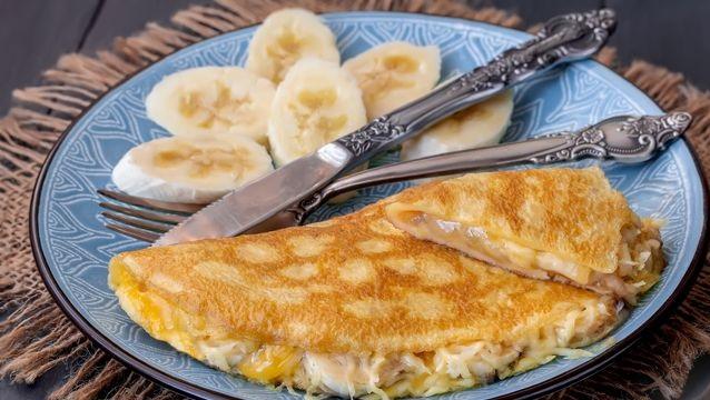 Banana and cheese omelet