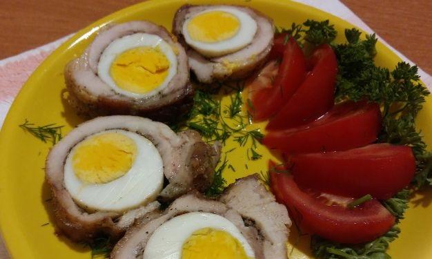 Chicken rolls with egg