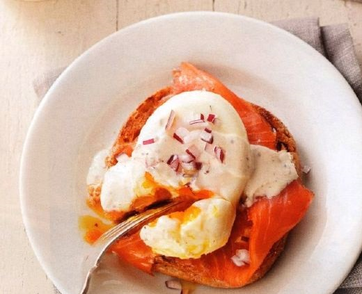 Salmon burgers with poached eggs