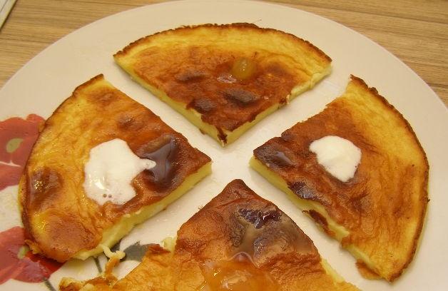 Sweet omelet for children's breakfast