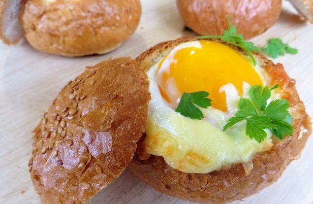 Best Scrambled eggs in a bun