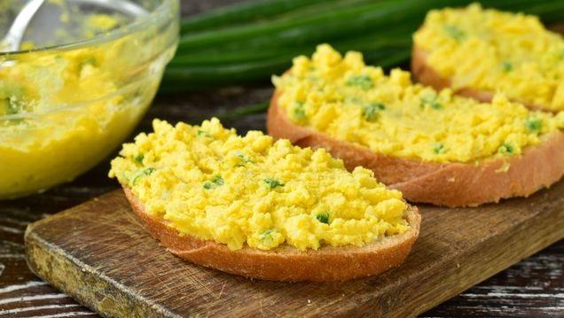Potato and egg spread for sandwiches